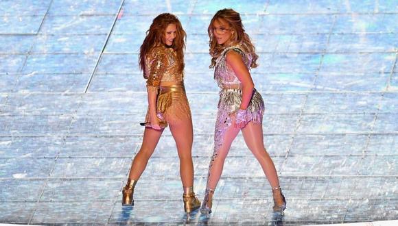 Jennifer Lopez y Shakira, las dos divas latinas deslumbraron con su espectáculo en el último Super Bowl.  (Foto: AFP)