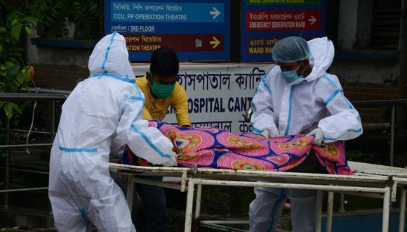 """El """"hongo negro"""": la enfermedad que afecta a convalecientes de COVID-19 en India. (Foto: Diptendu DUTTA / AFP)"""