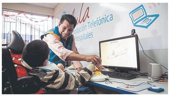 Proyecto de Fundación Telefónica enseña a maestros a utilizar las herramientas digitales para un mejor aprendizaje.