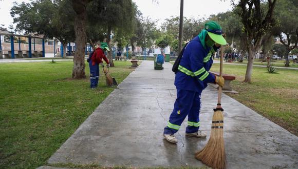 Ante la petición de los vecinos de la urbanización La Rinconada, el alcalde de la Municipalidad Provincial de Trujillo (MPT), José Ruiz Vega, anunció que se intervendrá los nueve parques que conforman dicho territorio vecinal.