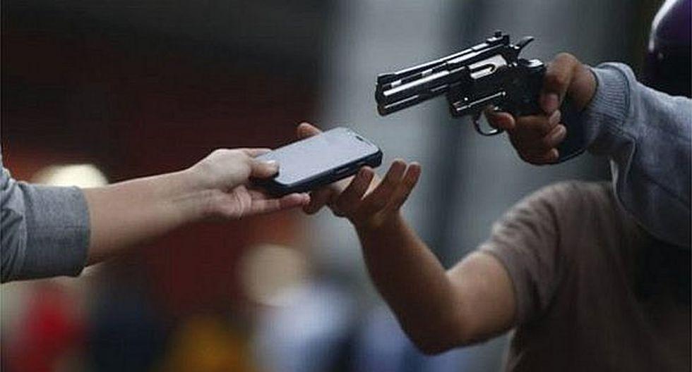 Inseguridad ciudadana: Surco, Barranco y Comas con más denuncias de robos de celulares