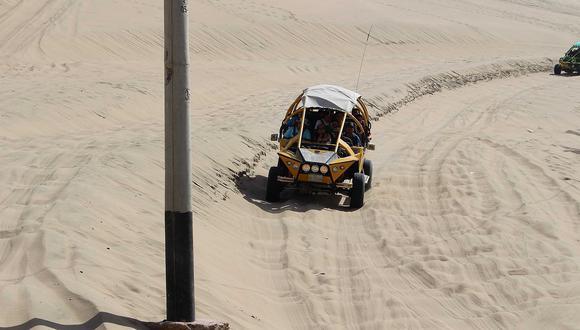 Vehículo se volcó en el desierto costero de Coyungo, provincia de Nazca. (Imagen referencial)