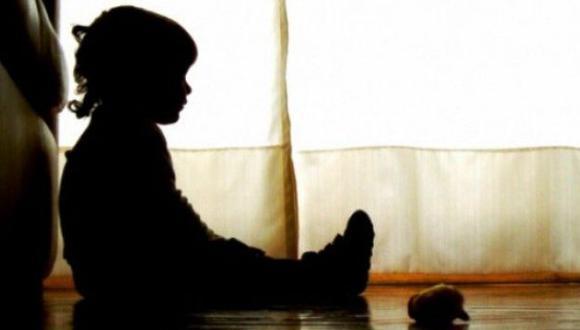 Sentencia por tocamientos indebidos contra menor de edad. (Foto referencial, AFP).