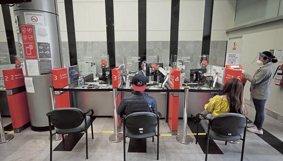 Con la Ley Nº31332, tantos hombres y mujeres afiliados a las AFP podrán acceder a la jubilación anticipada a los 50 años. (Foto: GEC)