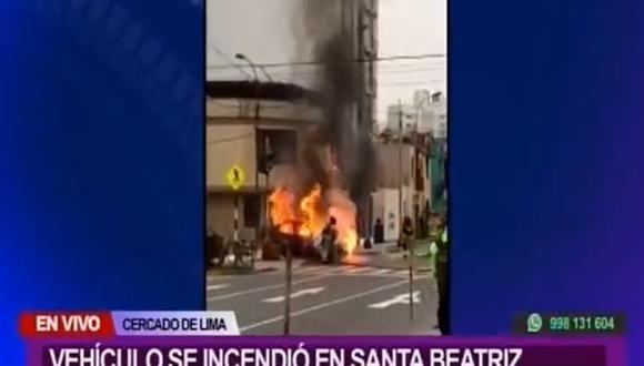 Auto incendiado. (Foto: Captura de pantalla Canal N)