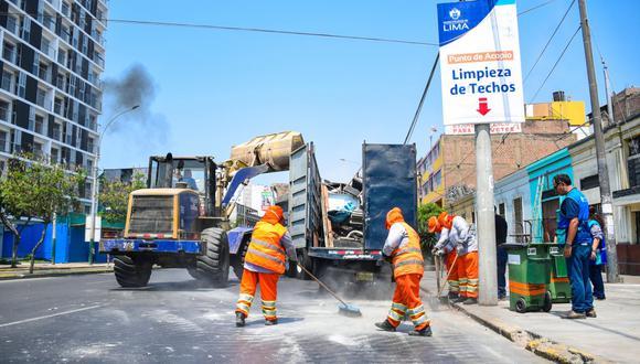 """La Municipalidad de Lima precisó que la campaña """"Techos Limpios"""" se realiza mensualmente y tiene como fin contribuir al orden, limpieza y seguridad del Cercado de Lima. (Foto: MML)"""