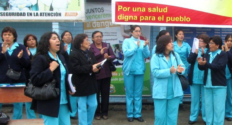 Enfermeras del hospital Almenara protestan por mejores condiciones laborales