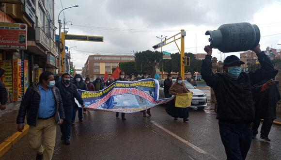Pobladores de la ciudad de Juliaca salieron a las calles a protestar.