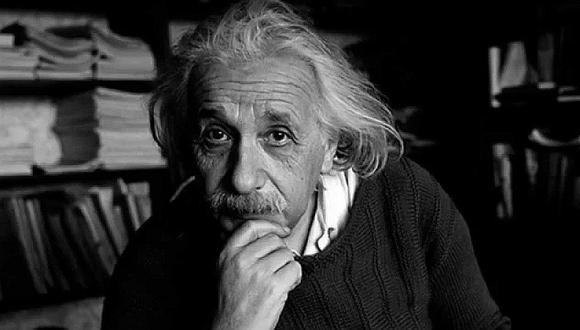 """Albert Einstein: """"No trates de convertirte en un hombre de éxito sino en un hombre de valores."""""""