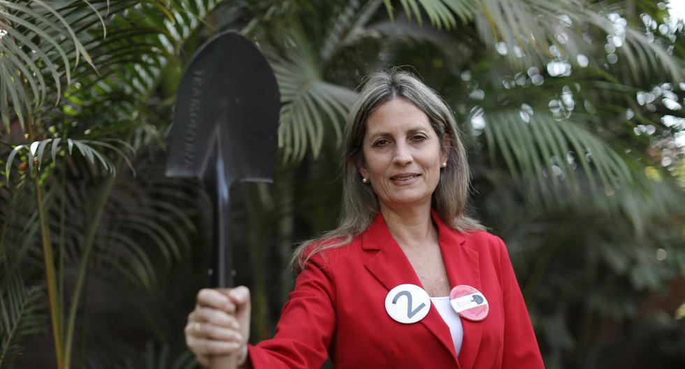 María del Carmen Alva de AP: