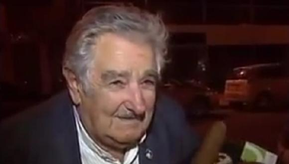 Mira la reacción de José Mujica luego que un mendigo le pide propina (VIDEO)