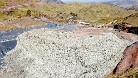 Impulsan limpieza del botadero de desechos más grande de Cusco