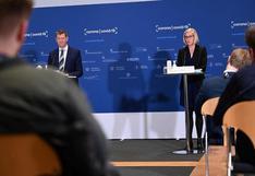 Funcionaria danesa se desmayó al anunciar la suspensión de la vacuna de AstraZeneca (VIDEO)