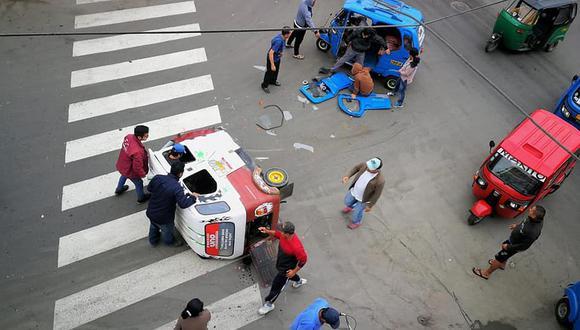 Vecinos solicitan instalar reductores de velocidad en Grocio Prado
