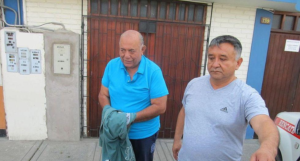 Visualizan celular y revisan documentos de Luis Torres Robledo