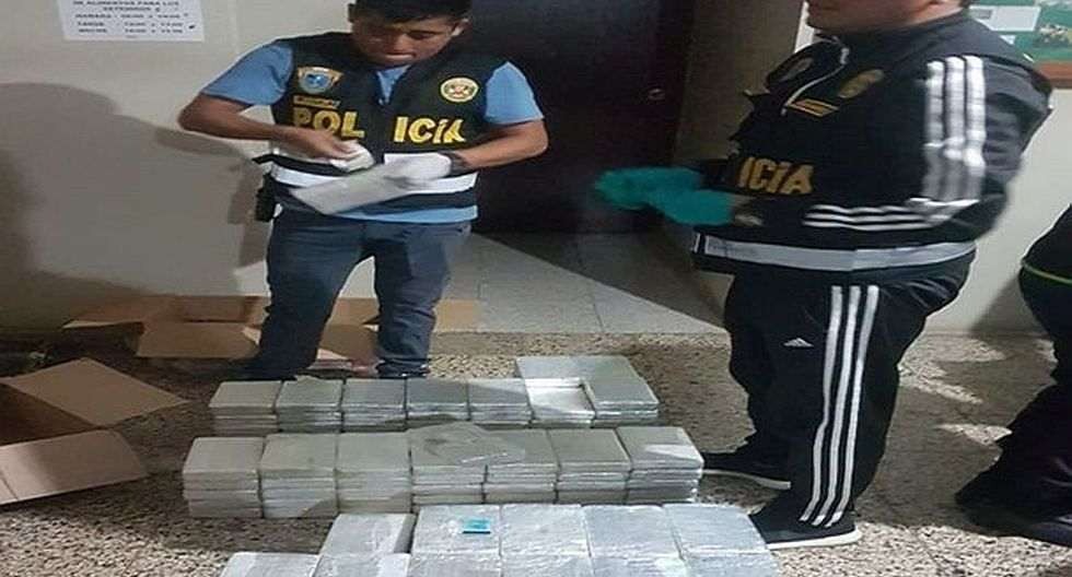 Encuentran 150 paquetes de  clorhidrato de cocaína en camión boliviano