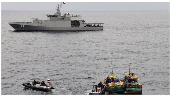Armada de Chile capturó dos embarcaciones peruanas con pesca ilegal (FOTOS)