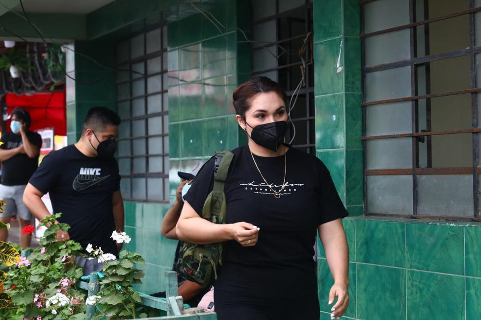 Génesis Tapia y su esposo llegaron a visitar a Raziel García tras protagonizar fatal accidente de tránsito en Chorrillos. (Foto: Gonzalo Córdova/@photo.gec)