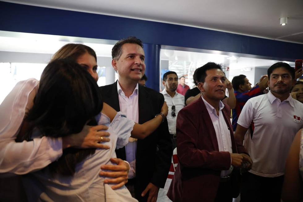 Omar Chehade recibe resultados a boca de urna. Foto José Rojas Bashe/GEC