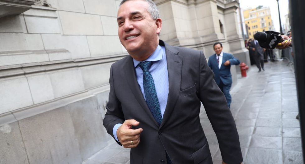 Urresti indicó que la licencia que presentó José Luna Gálvez como presidente de Podemos Perú terminó luego de los comicios del 26 de enero. (Foto: Eduardo Cavero / GEC)