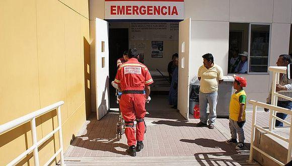 Motociclista queda malherida debido a choque con taxi en Samegua