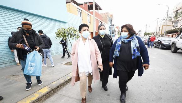 Más temprano, congresistas como Martha Moyano y José Cueto no pudieron ingresar al recinto por indicación del Ministerio Público.