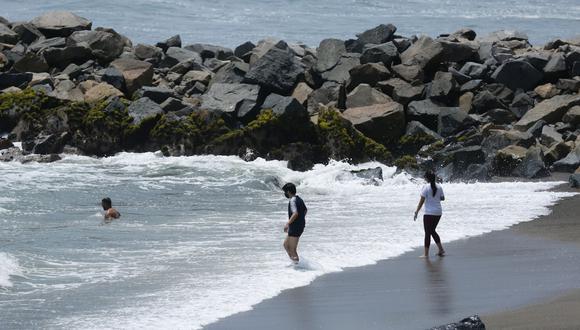En conferencia de prensa, la titular del Mincetur precisó que deberá respetar el distanciamiento de dos metros en las playas de La Libertad, Piura y Lambayeque.
