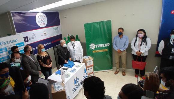 En conferencia de prensa, Respira Perú y Tisur hicieron entrega de 60 dispositivos para los hospitales de Arequipa. (Foto: Difusión)