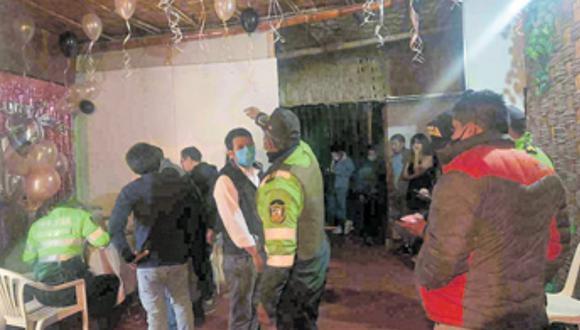En Cerro Colorado intervinieron reunión animada con payaso, todos los involucrados fueron multados. (Foto: Difusión)