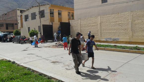 Pobladores de Amarilis marchan por falta de agua