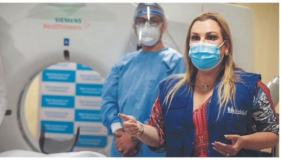 Funcionaria no respondió por las irregularidades denunciadas en el Hospital de Tumán. Médicos y enfermeras anuncian un paro por la falta de equipos y deudas en el pago del bono.