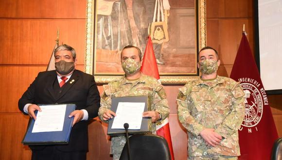 El convenio fue firmado por representantes de la UNI y del Ejército. (Foto: Universidad Nacional de Ingeniería)