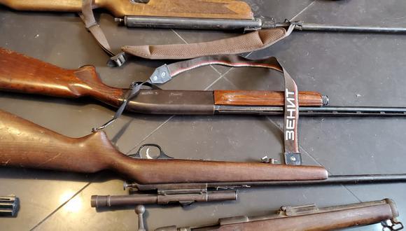 Escopetas encontradas durante allanamiento a vivienda de Santa Anita. (Foto: PNP)
