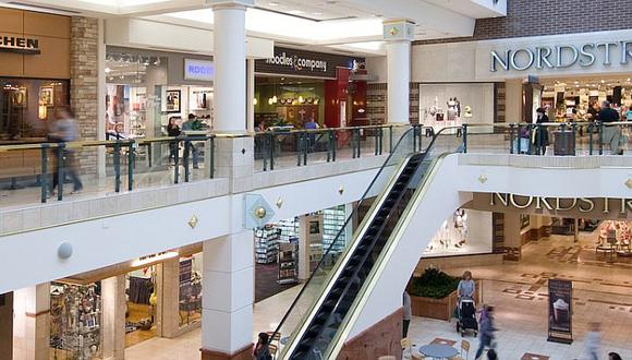 Tres muertos en un tiroteo en un centro comercial de Estados Unidos