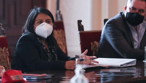 La ministra de Justicia, Ana Neyra, participó en la primera sesión de diálogo del fin de semana con varias bancadas. (Foto: PCM)