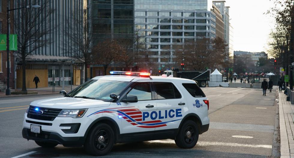 Imagen referencial de un vehículo de la policía de Estados Unidos. (MANDEL NGAN / AFP).