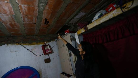 Así quedó una casa afectada por el sismo. Fotos: Alessandro Currarino / @photo.gec