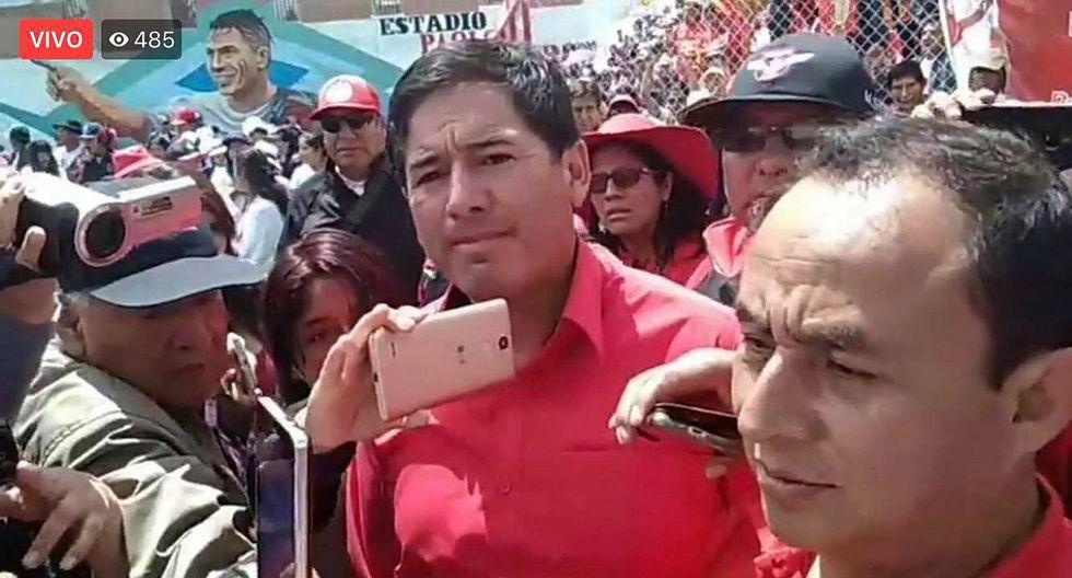 Gregorio Santos reaparece en inauguración de estadio Paolo Guerrero ad portas de juicio oral (VIDEO)
