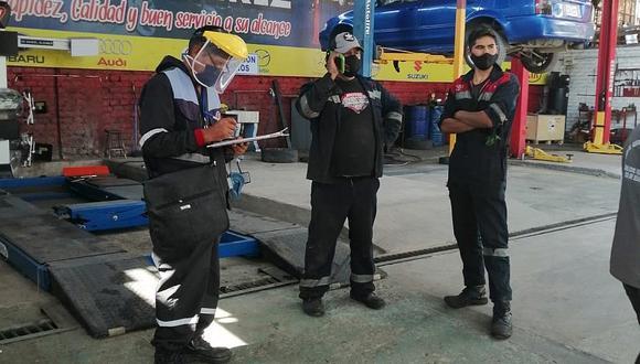 Clausuran siete locales de lubricentro en Miraflores
