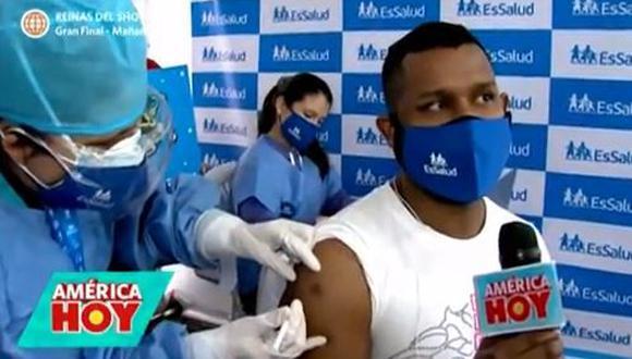 'Giselo' acude a vacunarse y hace pedido a EsSalud. (Foto: captura de video)
