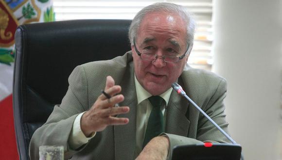 García Belaúnde propone que sueldo mínimo se incremente y sea distinto para cada región