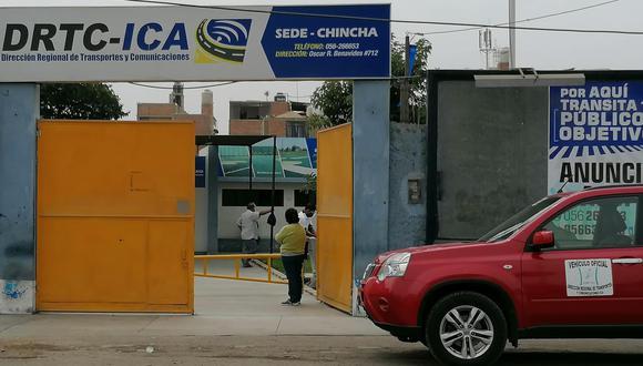 Acusan a trabajador de la DRTC Ica de pedir dinero para revalidar licencia.
