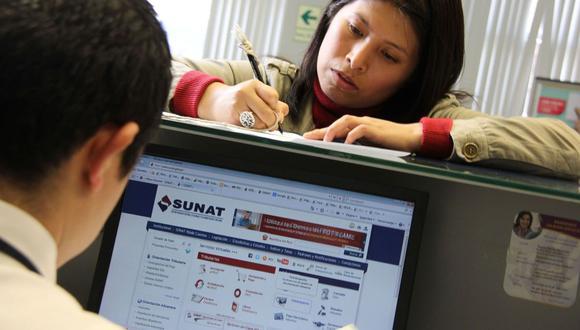 El trámite para su inscripción en el Registro Único de Contribuyentes (RUC) puede hacerse de manera presencial o por los canales virtuales que ha generado la Sunat. (Foto: Andina)