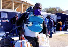 Venezolanos y haitianos se van en viaje humanitario a Lima