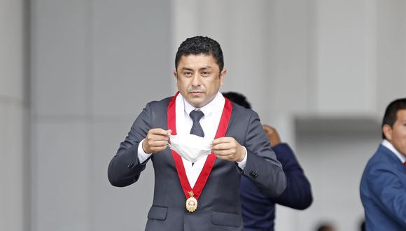 El legislador de Perú Libre señaló que no se puede pasar por encima de los protocolos establecidos en la ley.
