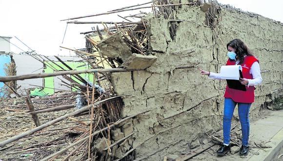 Tras dos informes de emergencia se tiene una diferencia de 15 casas colapsadas, 755 inhabilitadas y 1786 afectadas en los 18 distritos incluidos en el Plan de Intervenciones de Cofopri. El contralor anuncia sanciones por inoperancia.