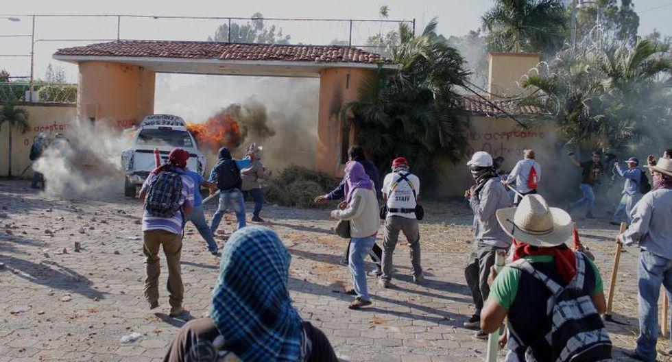 Enrique Peña Nieto recibió a familiares de estudiantes desaparecidos