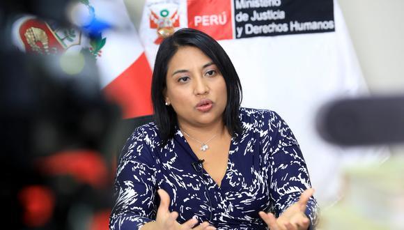 """Ministra Neyra: """"Congreso debería reconsiderar trámite de moción de vacancia presidencial"""""""