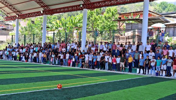 Cajamarca: la gran mayoría de asistentes a la inauguración no portaban mascarillas y no respetaban el distanciamiento social. (Foto: Municipalidad de Huarango)