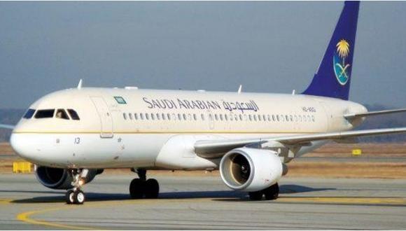 Avión aterriza de emergencia luego que mujer se olvidara de su bebé en aeropuerto (VIDEO)